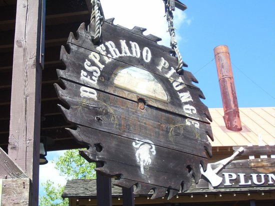 The Great Escape and Splashwater Kingdom : Desperado sign
