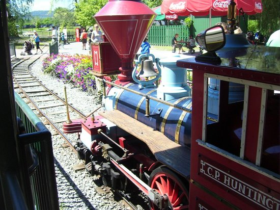 The Great Escape and Splashwater Kingdom : Story Town Train Engine