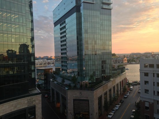 Hilton Garden Inn Baltimore Inner Harbor: View from Room 1015
