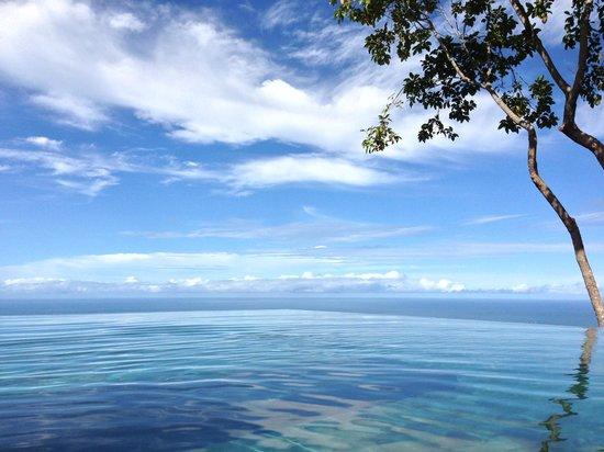 Kura Design Villas Uvita: The most amazing view from the infinity pool