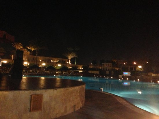 Pyramids Park Resort: Swimming Pool at night