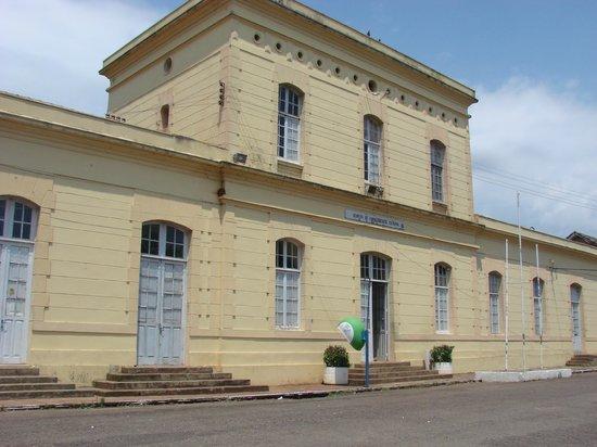 """Cruz Alta, RS: Arquivos Históricos e Museu Municipal, prédio da antiga """"Estação Ferroviária"""""""