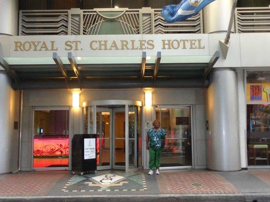 Royal St Charles Hotel: Nice location