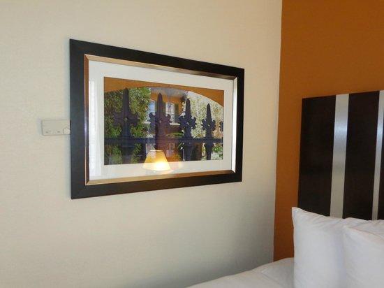 Royal St Charles Hotel : Nice decor