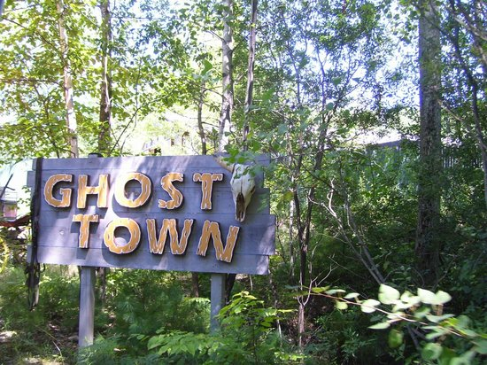 The Great Escape and Splashwater Kingdom : Ghost Town