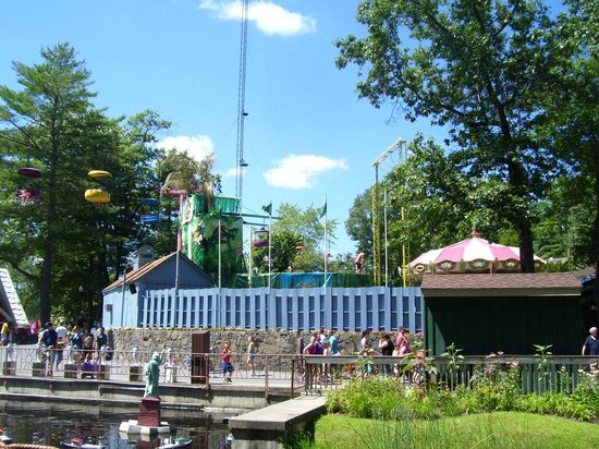 The Great Escape and Splashwater Kingdom : Dive Show area