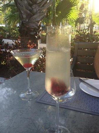 La Gloutonnerie: pre dinner cocktails