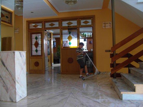 Hotel Los Nogales: RECEPCION DEL HOTEL
