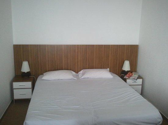 Hotel Les Terrasses d'Eze : lit