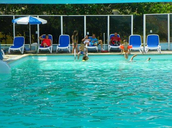 Gran Caribe Club Atlantico : Piscine à l'abri du vent