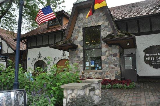 Frankenmuth River Place Shops: Shops