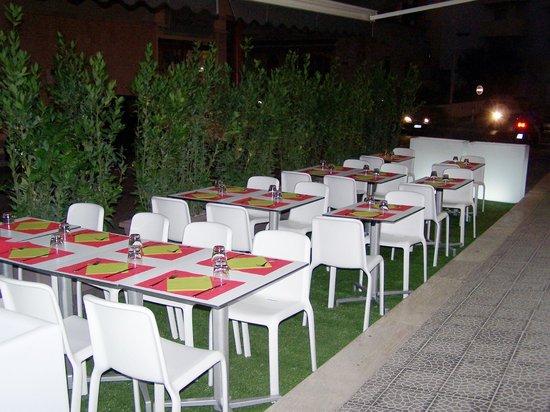 Pizza&Spaghi : Apertura esterno con nuovo arredo 3 agosto 2013