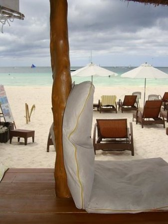Sur Beach Resort: cabana