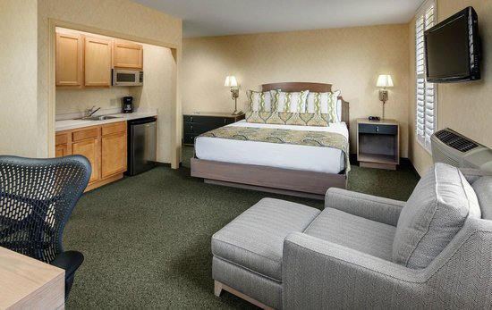 Parkview Hotel Guestroom Extended Stay Accomodations