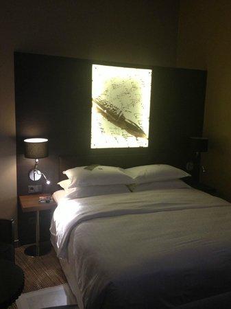 Sheraton Hannover Pelikan Hotel: Zimmer 108