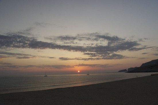 Zafiro Cala Mesquida: Het prachtige strand in de baai bij zonsopgang