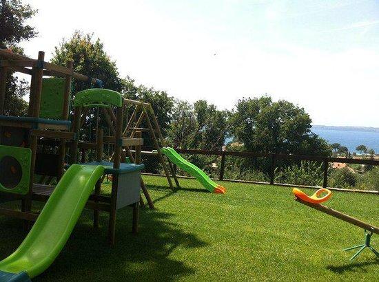 Giochi bimbi - Foto di Ristorante Le Terrazze sul Lago, Trevignano ...