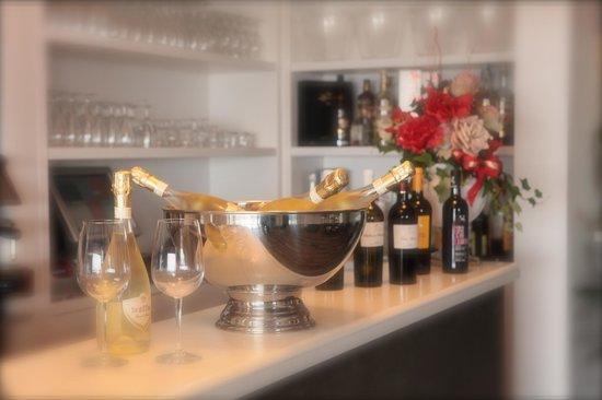 Il bar - Foto di Ristorante Le Terrazze sul Lago, Trevignano Romano ...