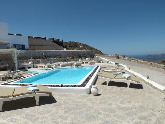 Santorini's Balcony: La piscina