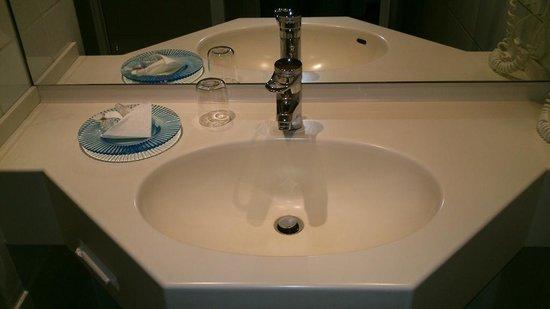 Das Carls Hotel : Bathroom