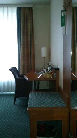 Das Carls Hotel : Desk