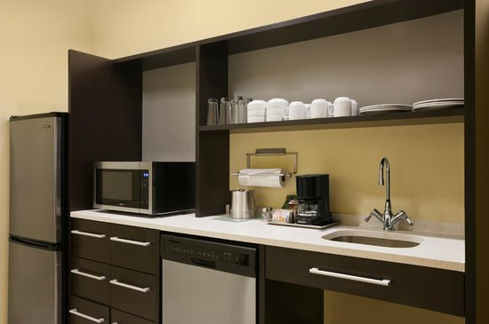 Home2 Suites by Hilton Huntsville / Research Park Area: Home2 Huntsville Kitchen Area