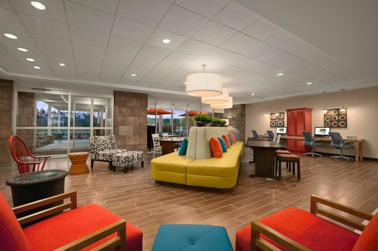 Home2 Suites by Hilton Huntsville / Research Park Area: Home2 Huntsville Lobby Area