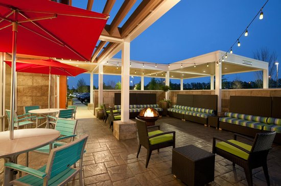 Home2 Suites by Hilton Huntsville / Research Park Area : Home2 Huntsville Patio Area