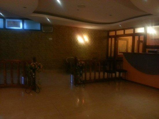 Hotel Lake View Inn : Restaurant