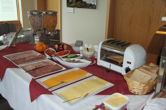 Hali Country Hotel: Breakfast