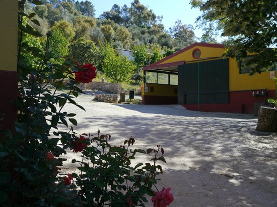 Galaroza, Spain: PISTA CUBIERTA