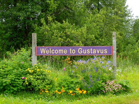 Wild Alaska Inn at Glacier Bay: Welcome to Gustavus sign