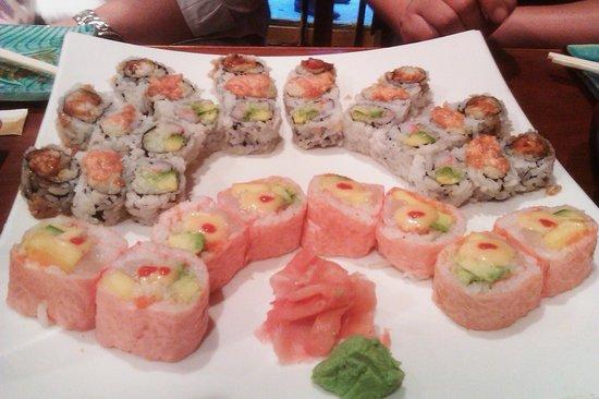 Vic Sushi Bar: Specialty rolls