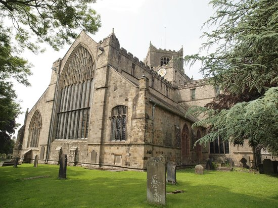 Cartmel Priory: Outside view of church