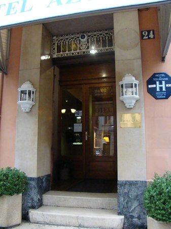 Hotel Azur: entrance