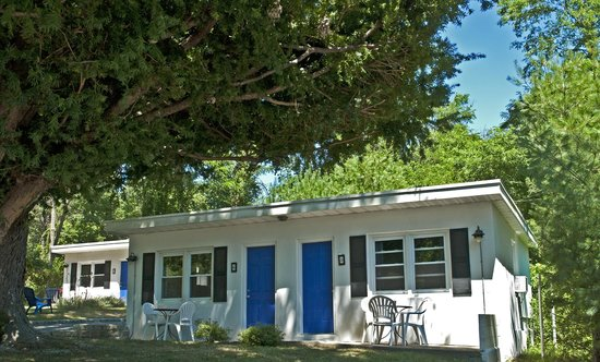 Easterner Motel : UNIT EXTERIOR