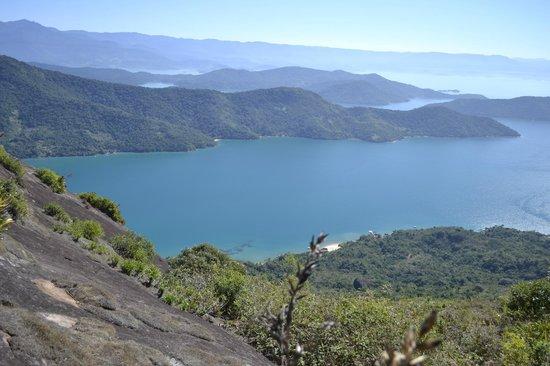 Interacao Ambiental Day Tours: Vista do topo do Pico do Mamanguá