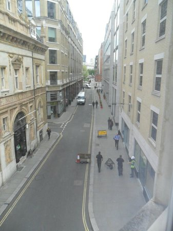 The King`s Wardrobe Serviced Apartments by BridgeStreet: View up Carter Lane from window of apartment