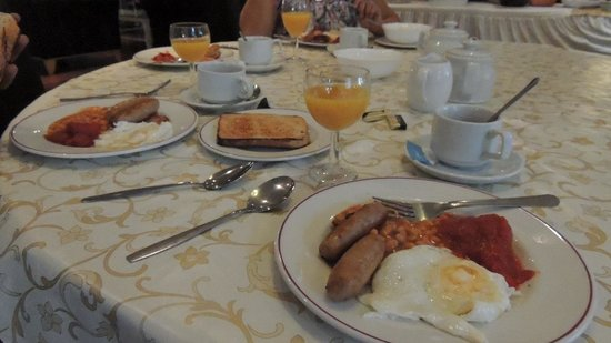 Skyways Hotel: English Breakfast at Hotel