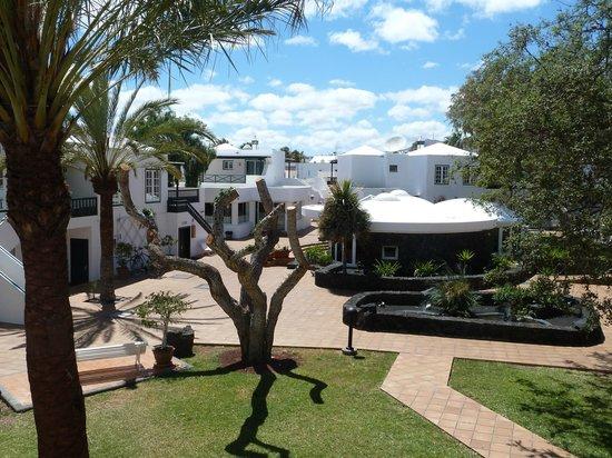 Apartamentos Barcarola Club: View from C block