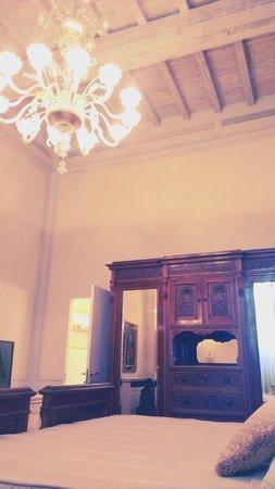 Villa Olmi Firenze : Villa Mozzi double room suite?
