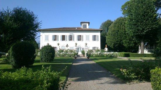 Villa Olmi Firenze : Villa Mozzi from the garden
