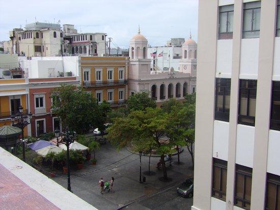 Hotel Plaza De Armas Old San Juan: Photo from hotel overlooking Plaza outside front door