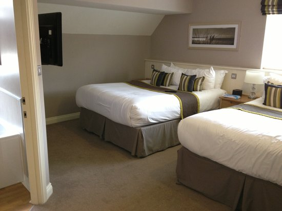 Breckland Lodge: Two 5ft Beds