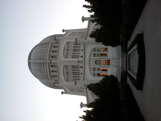 Baha'i House of Worship: Temple