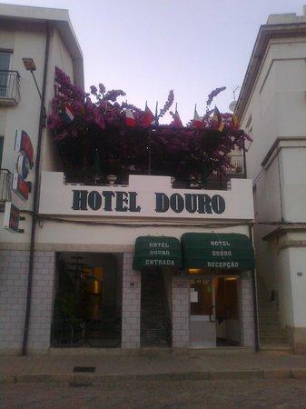 Vista frente terraço do Hotel Douro