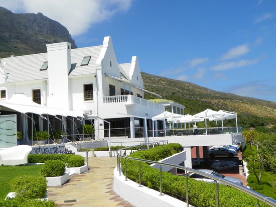 The Twelve Apostles Hotel and Spa: The hotel from the gardens