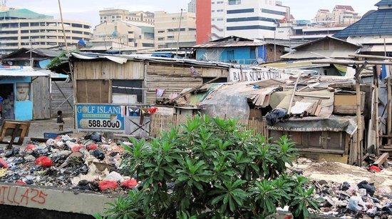 Alila Jakarta: Links vom Hotel