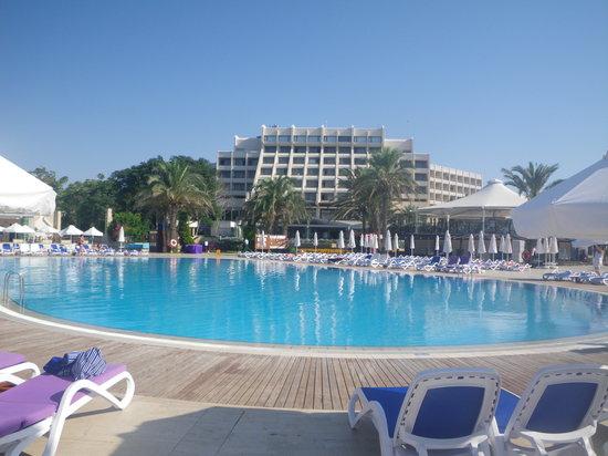 SENTIDO Zeynep Golf & Spa: Swimming pool area