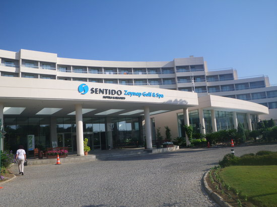 SENTIDO Zeynep Golf & Spa: The front of the golf and spa